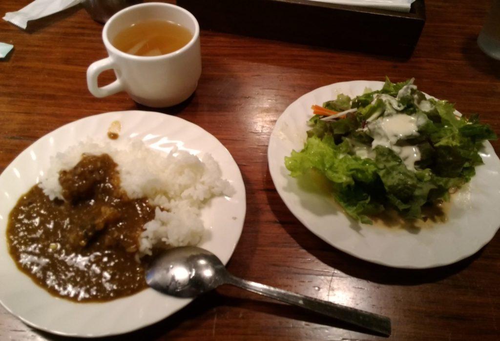 heroカレーとサラダとスープ